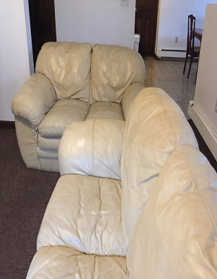 LEATHER LIVING ROOM COUCH